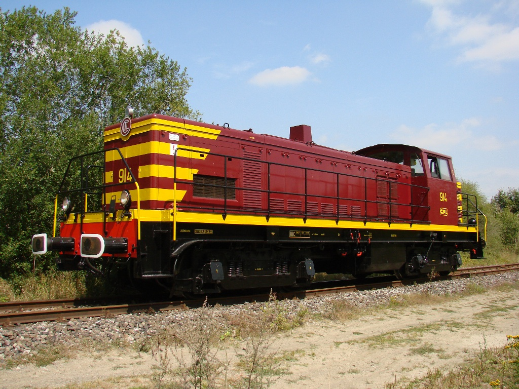 CFL 914