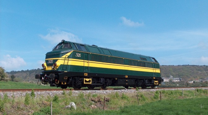 Locomotive diesel 5120 - Treignes - 28-04-2006 a