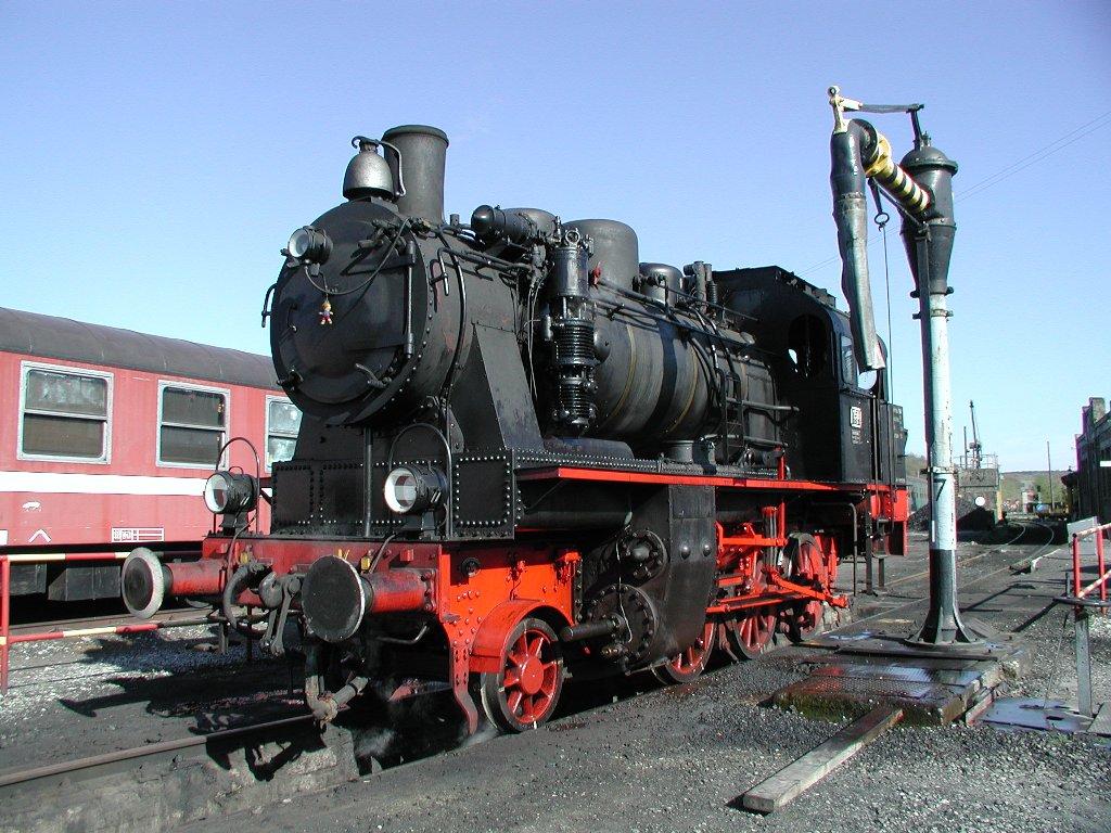 158 (Elna)