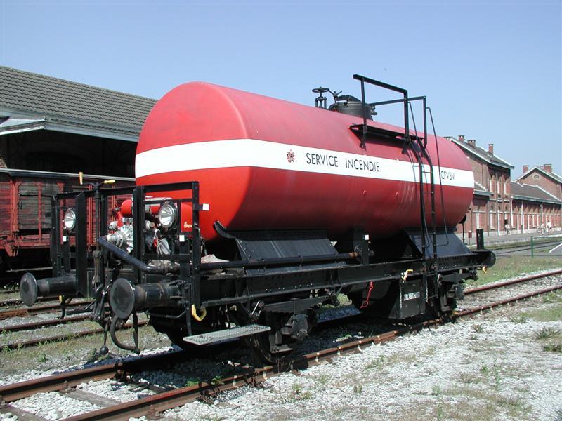 Wagon-X-901-Treignes-03-08-2003.jpg